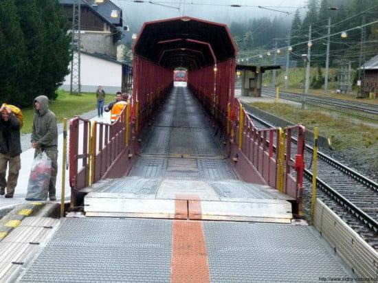 Vonat a hegyen keresztül