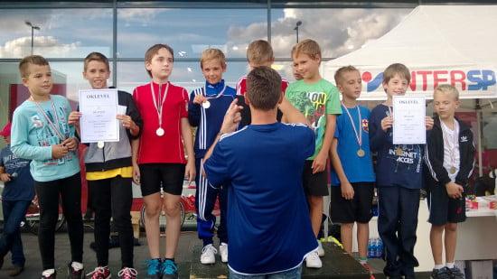 Barni osztály, 4.b és 4.a. Második korcsoportos fiúk 2. és 3. hely.