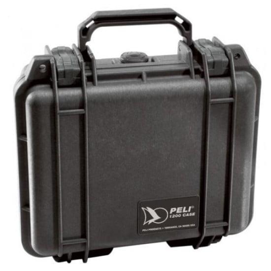 Peli doboz. IP 67 minősítésével valóban vízálló.