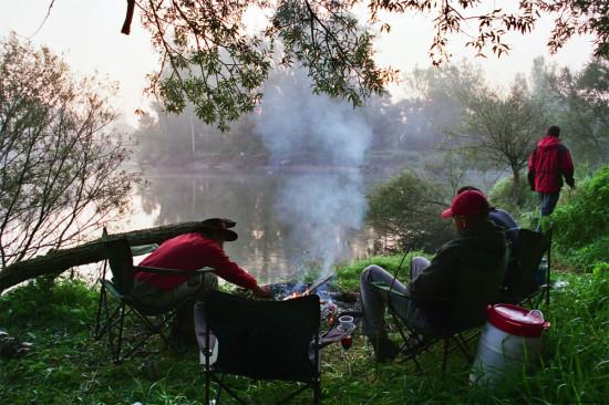 Reggeli kép a Mura folyón vadkempingezés közben