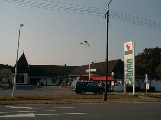 A csákánydoroszlói benzinkút.