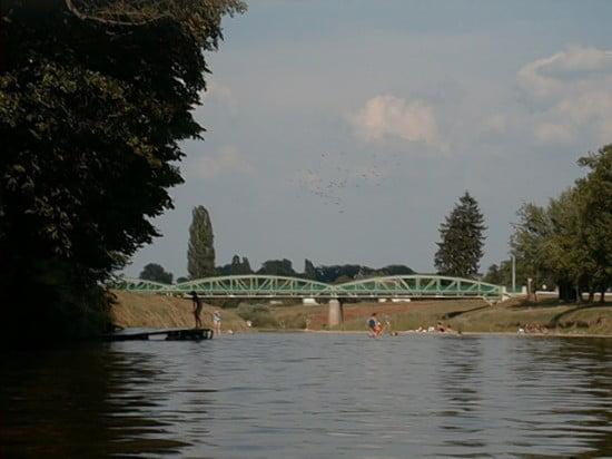 A Körmendi Híd. A kép bal oldalán a kikötő. 155,4 fkm