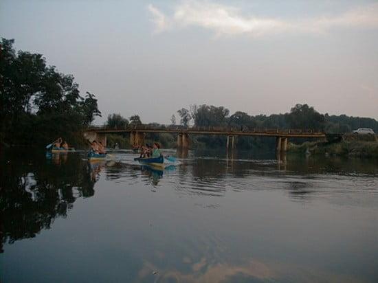 102,9 fkm-nél a rossz állapotú Megyeskovácsi híd. Mire te erre jársz már valószínűleg nem lesz itt, mert lebontják.