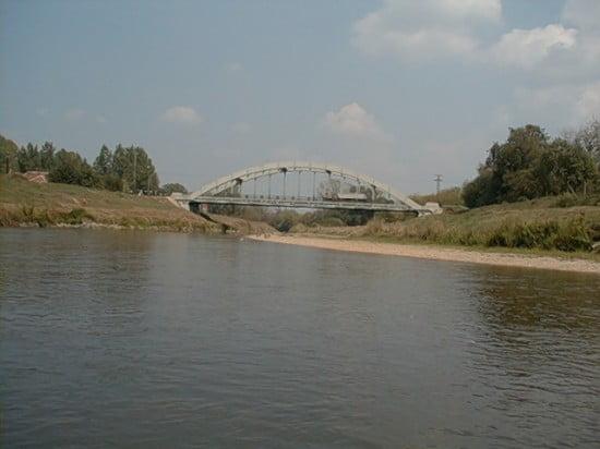 89,6 fkm-nél közúti-híd, bal parton SÁRVÁR.