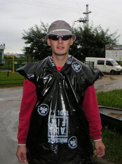Zsombor és a speciális felszerelés esős versenyekre.