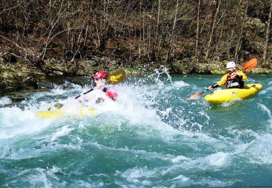 Napsütés, magas víz, nagy hullámok, igazi játszótér volt a folyó.