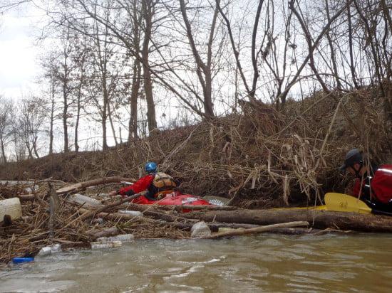 Ez is torlasz. Lenti felett semmi szemét, sajnos Lenti alatt már több helyen szemetes a folyó.