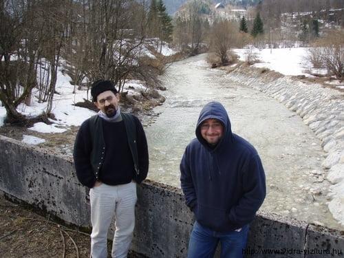 A Mostnica patak hídja, itt érdemes beszállni, nem pedig a tó alatt közvetlenül.