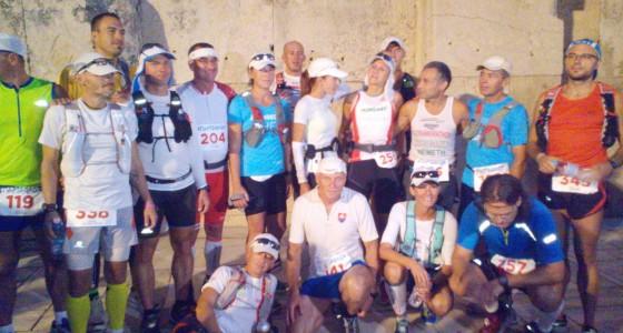 Futás a 2015-ös Spartathlon futóverseny résztvevői tiszteletére